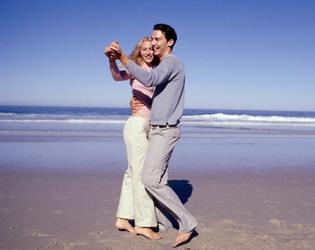 Бумажная свадьба. Как поздравить со второй годовщиной семейной жизни?
