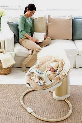 Подарок для новорожденного - электронные качели Graco