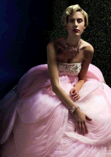 Романтический образ сильфиды, сказочной лесной феи, сразу заметен при взгляде на необычные свадебные платья от Ysa Makino и Вера Ванг (Vera Vang