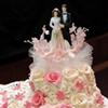 Каравай для молодоженов и свадебный торт