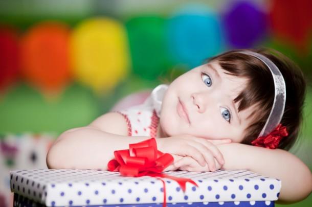 Что подарить девочке и мальчику на 2-4 года