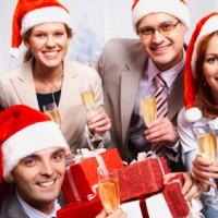 Как украсить офис на Новый год?