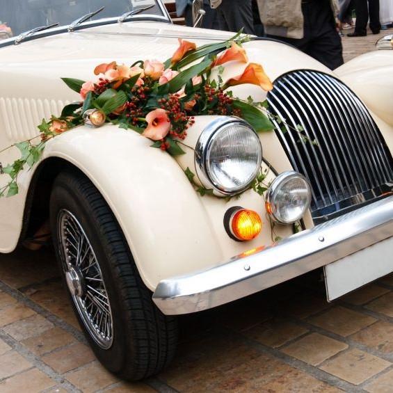 Свадебный кортеж — однозначно лучше, чем пешком