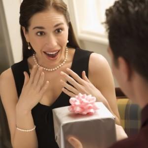 Идеи для подарка жене на День Рождения